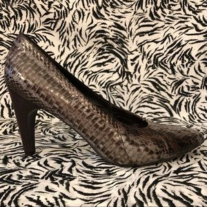 Real Python Leather Pumps